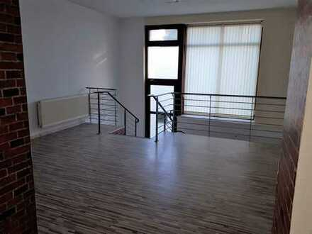 Verkaufs- oder Büroflächen auf 2 Etagen
