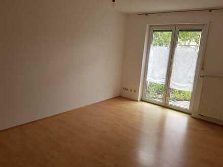 Gepflegte 2-Zimmer-Erdgeschoss Singlewohnung mit Garten ,EBK, nähe Siemens / Dultplatz Ambergz