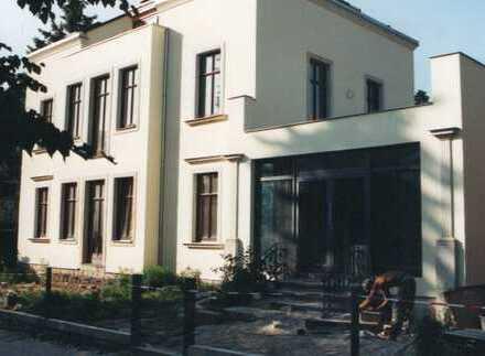 Sanierte 4-Zimmer-Maisonette-Wohnung mit 2 Balkonen in Dresden