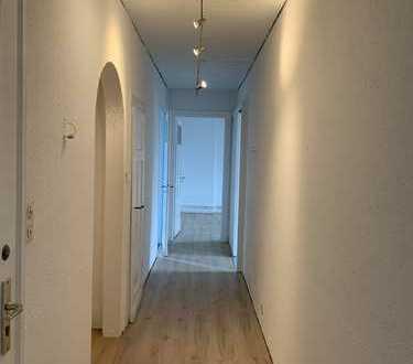Sanierte Wohnung mit drei Zimmern in Bielefeld