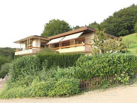 Schönes Haus in Top Lage mit Top Aussicht mit fünf Zimmern in Waldshut (Kreis), Küssaberg. Nähe CH
