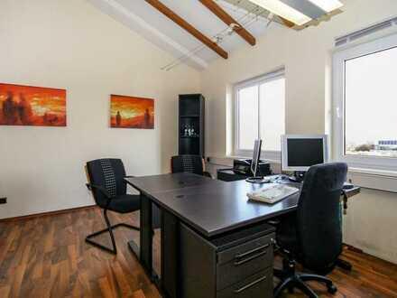 Büro in Bürogemeinschaft mit Empfang und Wartebereich