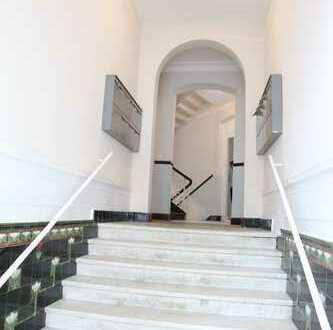 Schöne vier Zimmer DG-Wohnung mit Blick über Wiesbaden, Rheingauviertel, Hollerborn