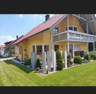 Freistehendes Einfamilienhaus zu vermieten.