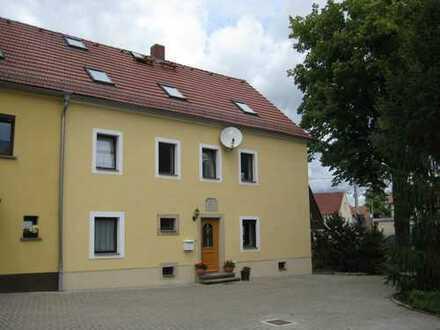 Schöne sechs Zimmer Wohnung in der Randlage von Dresden
