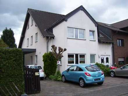 Gepflegte 3-Zimmer-Küche -Wohnung mit Balkon und Bad in Bergheim