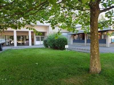 Riesige, neu ausgebaute Erdgeschosseinheit! Boarding-House bzw. Serviced-Apartements