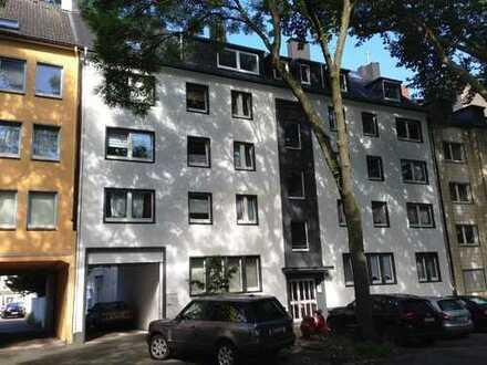 Schicke, renovierte 3-Zi.-Wohnung im Kreuzviertel mit Balkon und Einbauküche