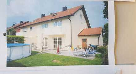 Schönes, geräumiges Haus mit fünf Zimmern im LKS Erding, Berglern