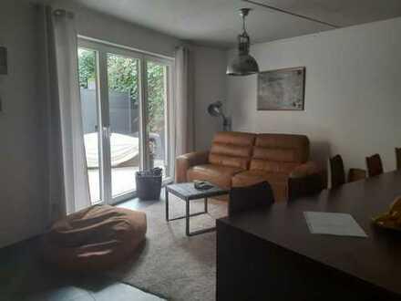 ANFRAGESTOPP!!! Exklusive, 4-Zimmer-Wohnung mit Terrasse, Garage, eigenem Stellplatz, EBK