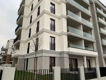 Erstbezug: Luxuriöse 3-Zimmer-Wohnung mit EBK und 2 Balkonen im Europaviertel