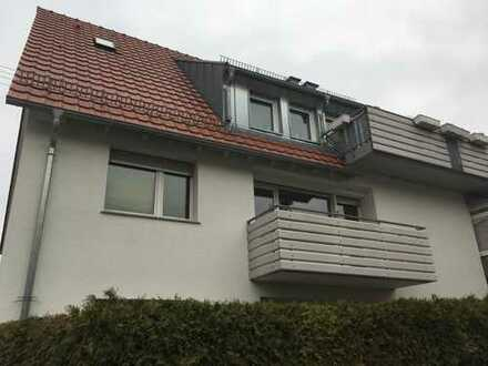 Schöne 6,5-Zimmer-Dachgeschosswohnung mit Balkon und Einbauküche in top Lage in Ludwigsburg-Hoheneck