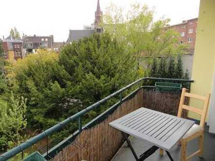 17 m² Zimmer in gemütlicher 2-er WG mit Balkon, zentral gelegen