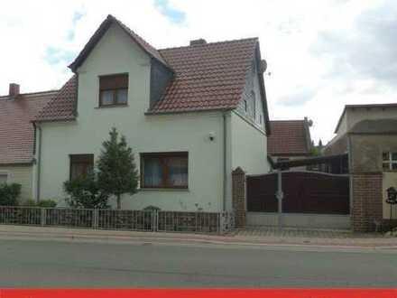 Doppelhaushälfte mit Nebengelass in Knoblauch