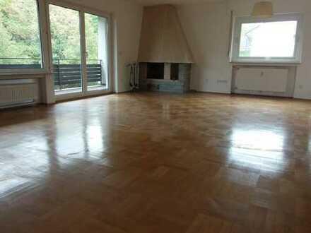 Exklusive 3-Zimmer-Wohnung in ruhiger Lage mit Balkon, Kamin, Garten, Endhaltestelle FFM fußläufig