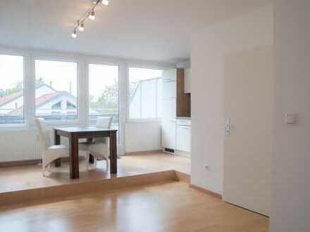 Renovierte 1 Zimmer Wohnung zum Selbstbezug mit großzügiger Terrasse