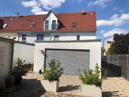 Top modernes Reiheneckhaus (2012) am Lech , Lützowstrasse, 86167 Augsburg (KFW)