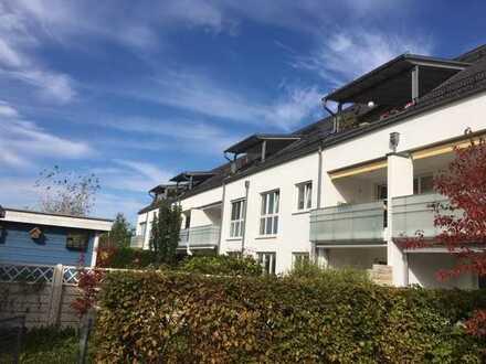 Helle teilmöblierte 4-Zimmer-Wohnung mit 2 Balkonen, 2 Bädern und EBK in Lochhausen, München