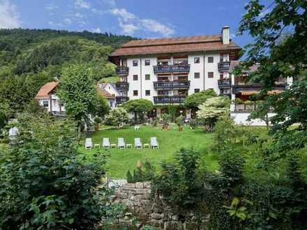 Etabliertes Hotel-Restaurant mit Parkähnlichem Garten