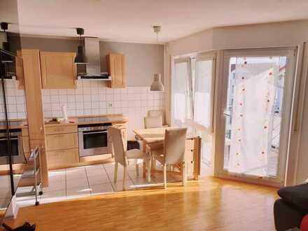 Wunderschöne, Helle und Vollmöblierte Wohnung mit Tiefgarage, 690 €, 43 m², 2 Zimmer