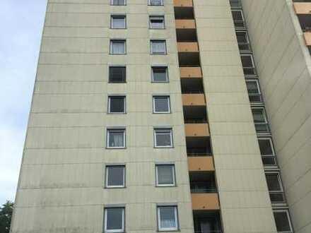 Gepflegte 4,5-Raum-Wohnung mit Balkon und Einbauküche in Reutlingen