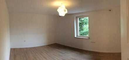 22m² Zimmer in 3er-WG im 120m² renoviertem Altbau, uninah