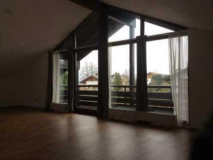 Schönes Dachgeschoss Appartement in Murnau