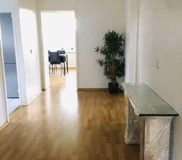 * Schöne helle 100,- qm DG WHG in Köln – Sürth * Einbauküche *