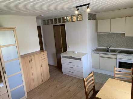 Einzimmerwohnung (möbliert) im Obergeschoss in Dietersdorf zu mieten