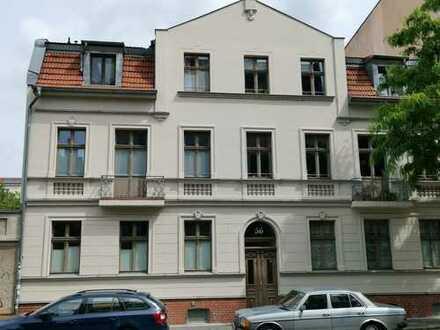 Nähe S-Bhf. bzw. Medienstadt Babelsberg! Gepflegte AB-Wohnung (guter Grundriss/Balkon)
