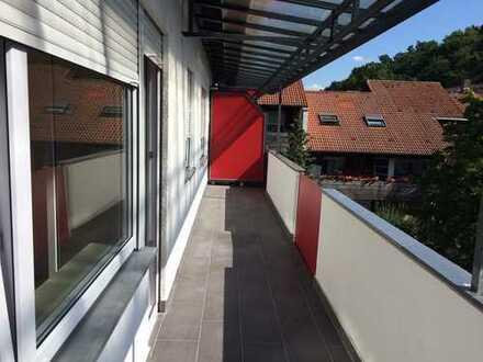 Erstbezug nach Sanierung: aufwendig sanierte 2-Zimmer-Wohnung mit EBK und Balkon in Aschaffenburg