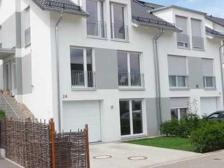 Elegante Doppelhaushälfte mit TOP-Ausstattung, 6 Zimmer, Baden-Baden