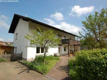 Zweifamilienhaus mit viel Grundstück und einer Scheune in ruhiger Lage von Kirchbrombach