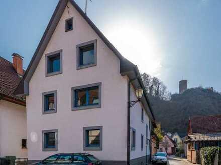 Schönes Stadthaus mit grosser Dachterrasse und Blick auf Schlossberg