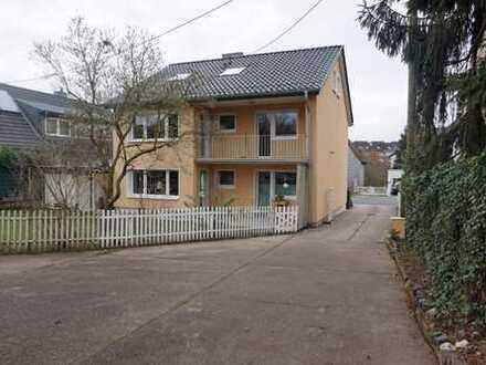 Köln-Rondorf: ALLES NEU. Balkonwohnung mit großzügigem Küchenbereich.