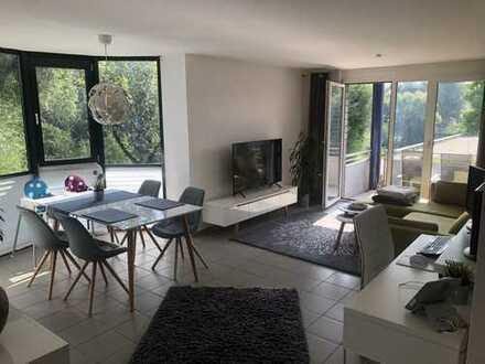 3 Zimmer mit Balkon direkt am Neckar