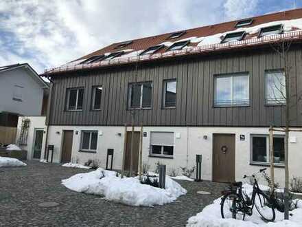 Schöne, geräumige vier Zimmer Neubau- Etagen- Wohnung mit zwei Eingängen München, Großhadern