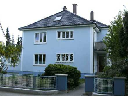 2 1/2-Zimmerwohnung m. EBK im freisteh. 4-Parteien Haus mit Terrasse und Gartenbenutzung (Privat)