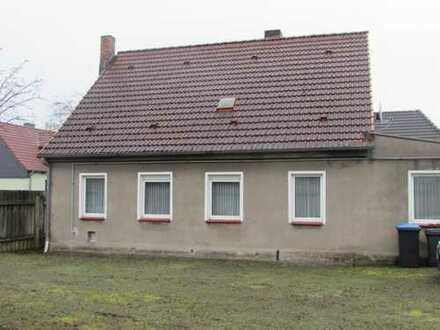 Einfamilienhaus mit großem Grundstück in ruhiger Wohnlage