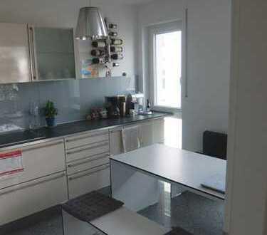 16_EI6338 Schöne 4-Zimmer-Eigentumswohnung mit Westbalkon / Regensburg West