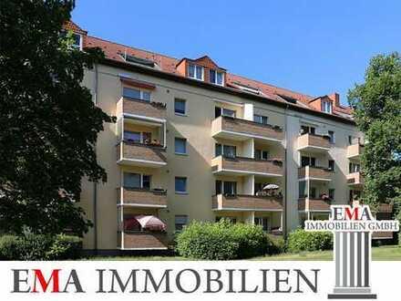 Drei-Zimmer-Eigentumswohnung mit Balkon und zwei PKW-Stellplätzen