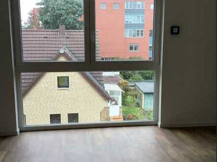Erstbezug: Helle 3-Zimmer-Dachgeschosswohnung in Köln-Eil