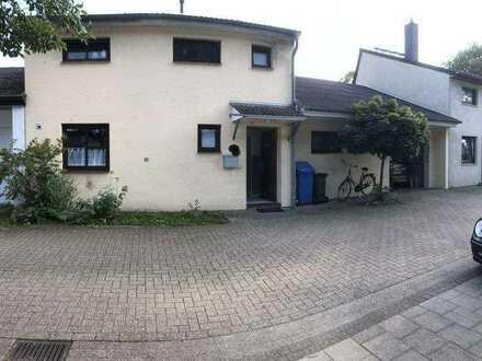 Reihenmittelhaus/Gartenhofhaus in ruhiger Siedlungsanlage