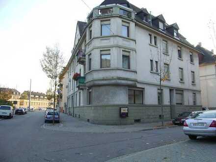 2-Zi Wohnung, ruhig und hell, mit Balkon und Einbauküche