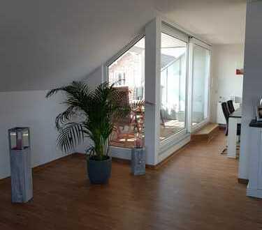 ## Sehr schöne DG-Wohnung, mit Loggia und Stellplatz, Zentrumnah ##
