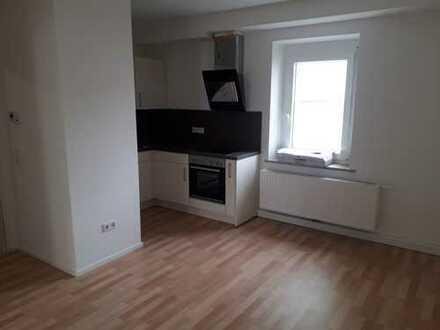 Erstbezug nach Sanierung mit EBK: stilvolle 2-Zimmer-Hochparterre-Wohnung in Augsburg