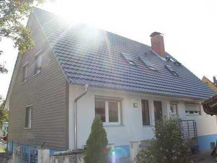 Wohnen am Schloss, 5-Zimmer-Maisonette-Wohnung mit Garten