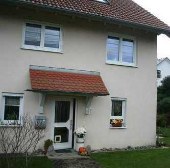 Schönes Reiheneckhaus mit fünf Zimmern in Bodenseekreis, Tettnang-Siggenweiler