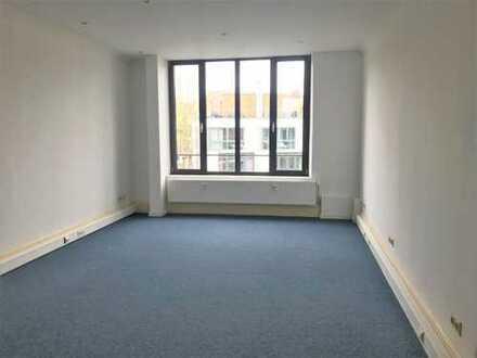 Komfortable Büroräume direkt am Osterbekkanal! Provisionsfrei für den Mieter