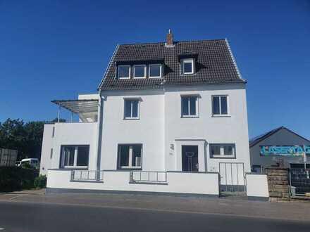 Frisch renovierte top Dachgeschoss-Wohnung